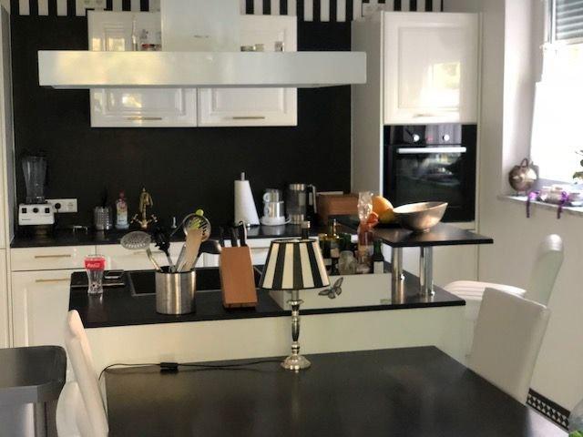 Küchen mit Essbereich