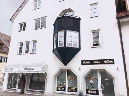 Frontansicht - Wohn- und Geschäftshaus