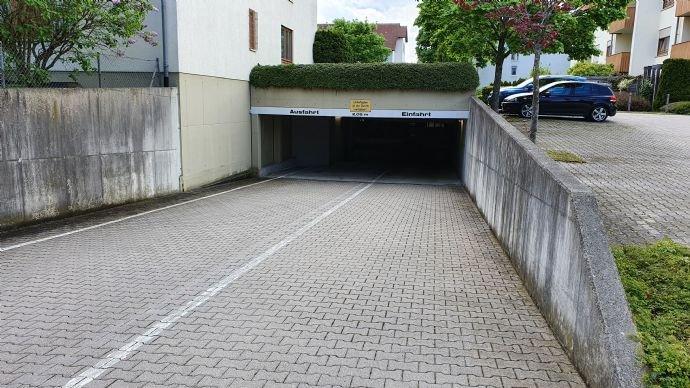 TG - Ein-/Ausfahrt (außen)