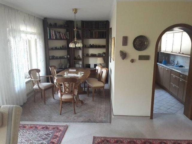 Esszimmer mit Blick zur Küchee