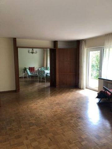 Wohnzimmer mit Zugang Esszimmer