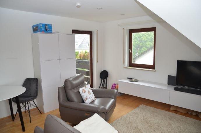 Wohnzimmer mit Terrassentüre