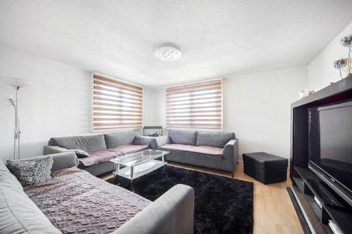 Wohnzimmer (kann vergrössert werden)