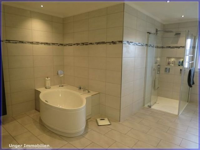 Dusch- und Wannenbereich