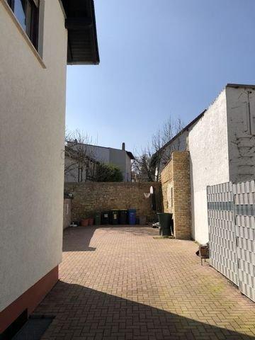 Blick vom Hoftor auf den Innenhof