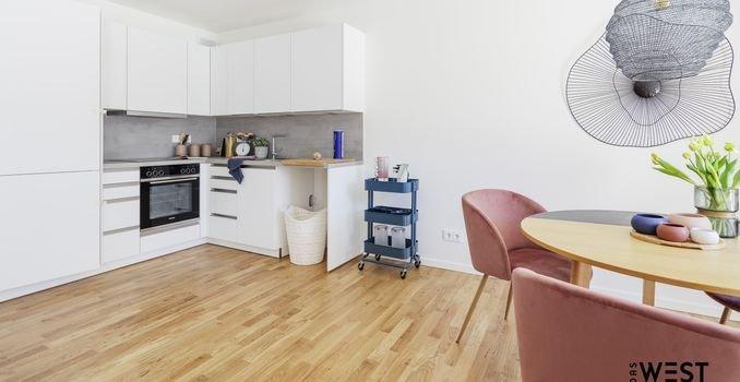 Moderne Einbauküche (Musterwohnung)