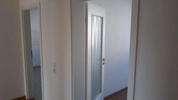von Wohnzimmer Richtung Gang