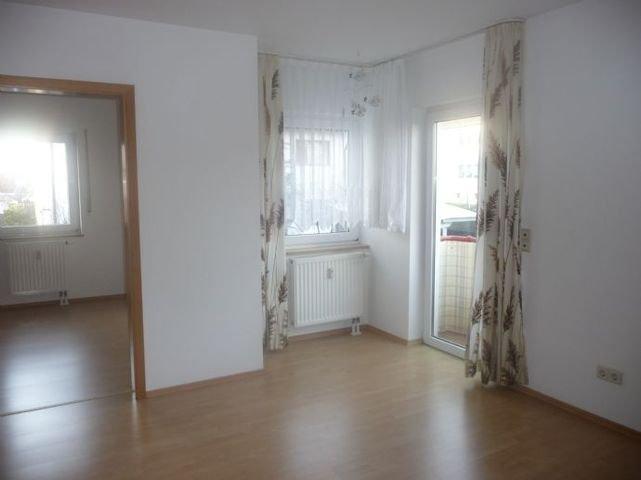 Wohnzimmer Blick z. Schlafzimmer