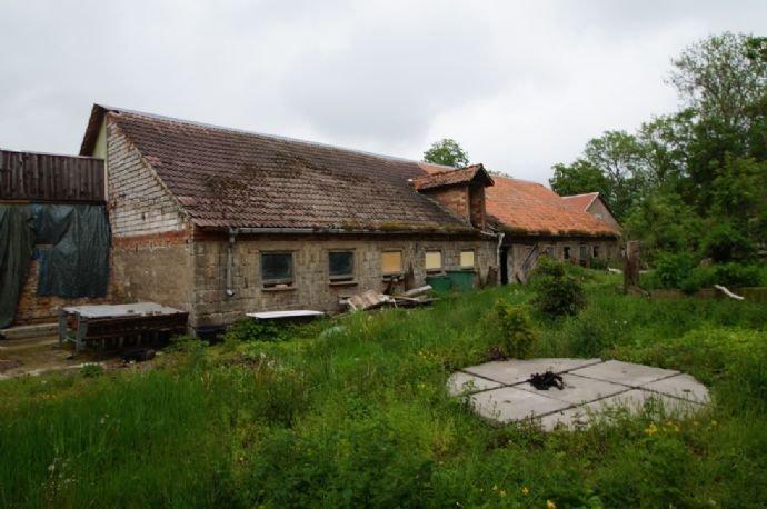 Stall- und Nebengebäude