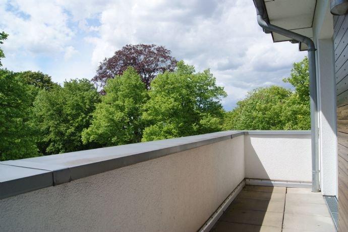 Der Balkon seitlich