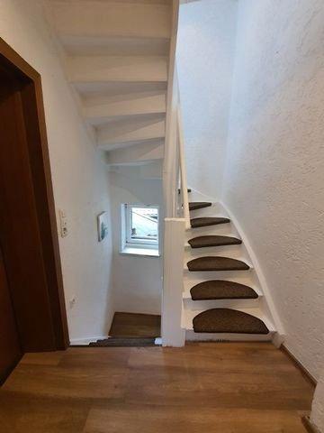 Treppenaufgang vom Ober- ins Dachgeschoss