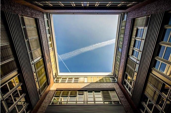 Bild in die Luft