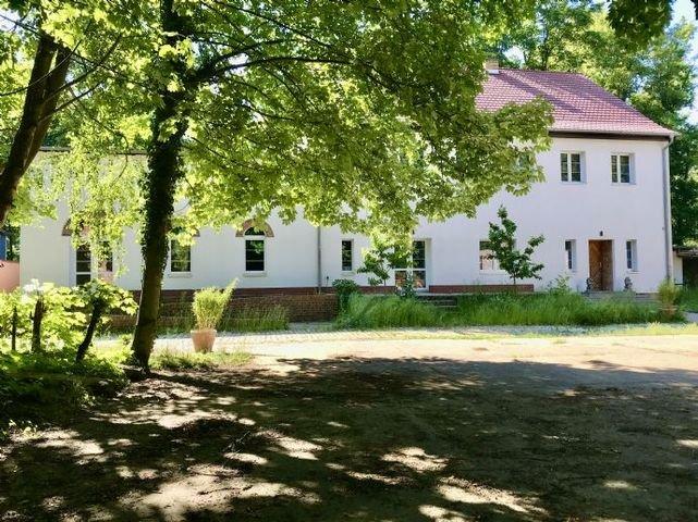 Früherer Bauernhof - Haus mit Kirschbäumen