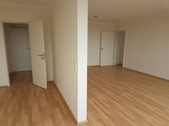 Küche und Wohnzimmer (Beispiel)