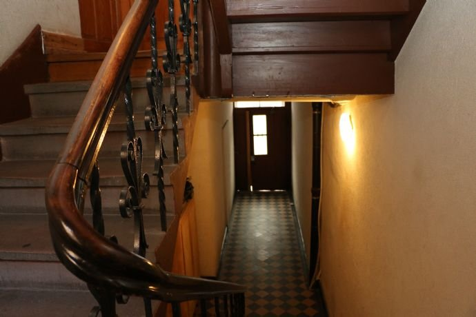 sep. Eingang Maisonettewohnung