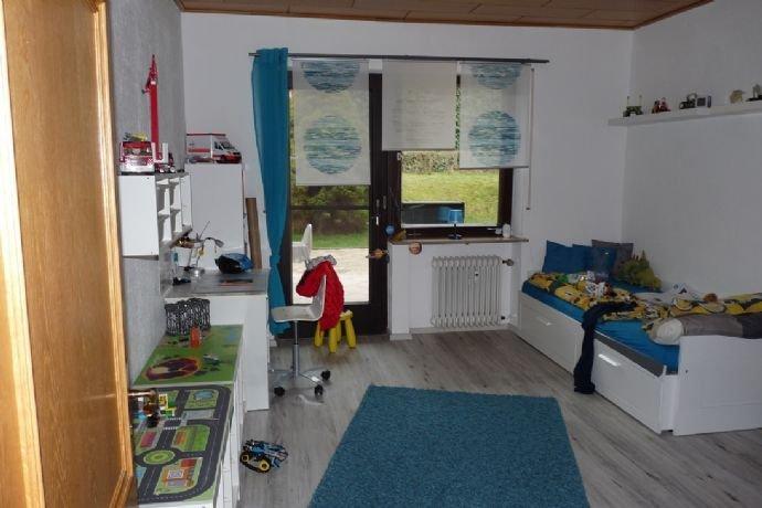 Kinderzimmer 2 im Erdgeschoss