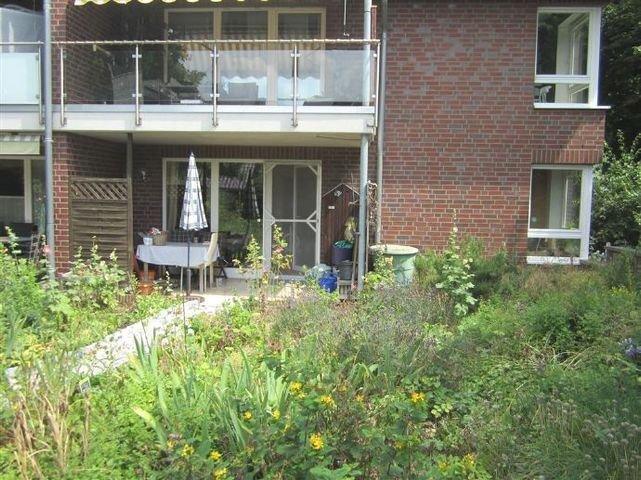 Sicht vom Garten zur Wohnung