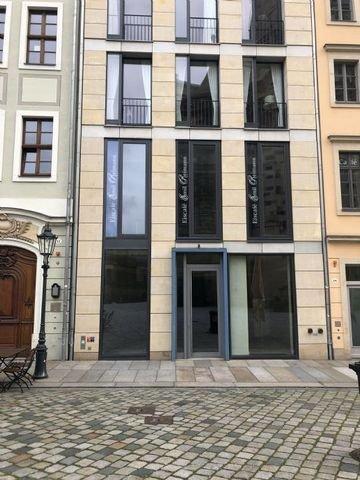 Schaufensterfläche mit Eingangstür