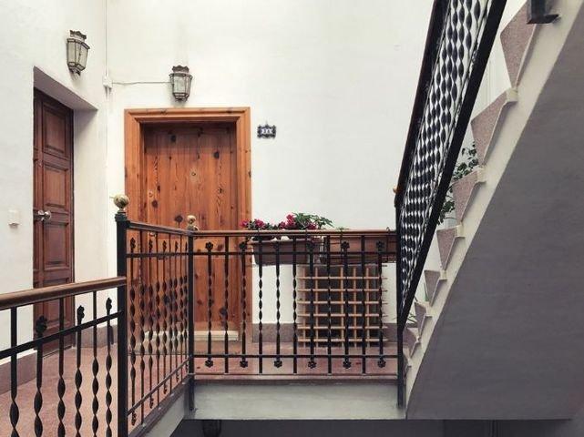 6 escalera entrada