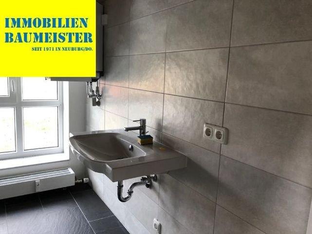 Waschbecken im Bad - Gewerbefläche - Baumeister