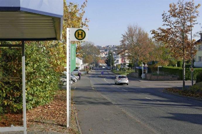 Bushaltestelle_Parkstraße