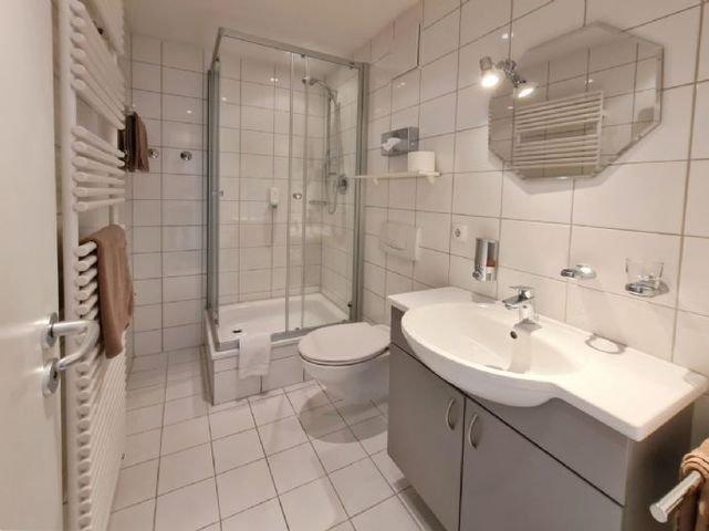 Großes Badezimmer - App 1