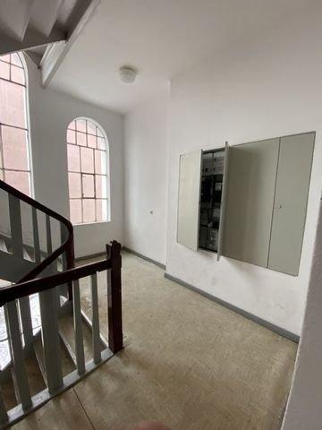 Treppenhaus mit Zählerschrank
