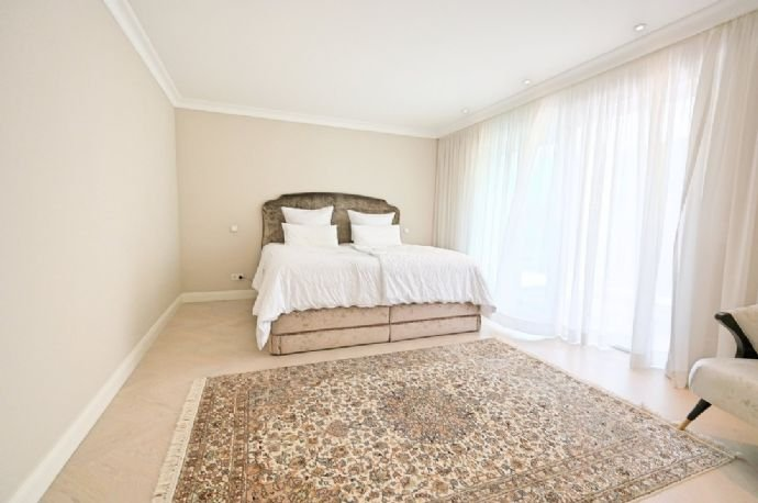 Schlafzimmer 1 UG