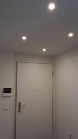 Wohnungseingang mit Videosprechanlage