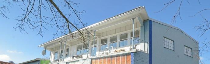 Überdachter Balkon (Loggia)