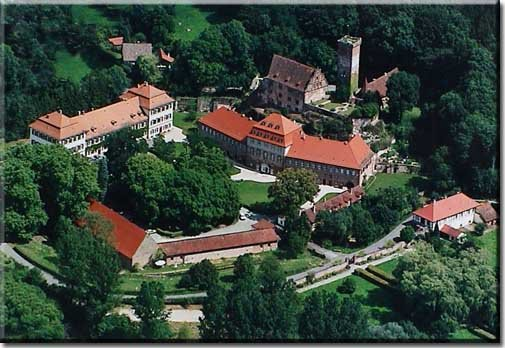 Schloss%20Luftaufnahme[1]