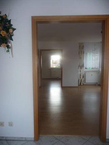 Blick z. Wohn- und Schlafzimmer
