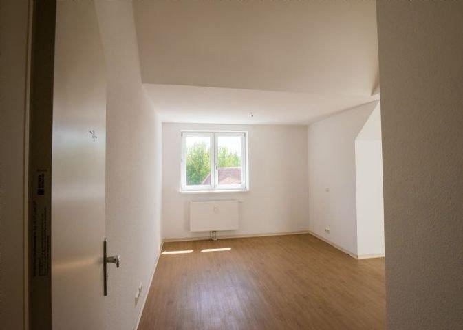 MUSTERBILD-Wohn-Schlaf-Essbereich_1