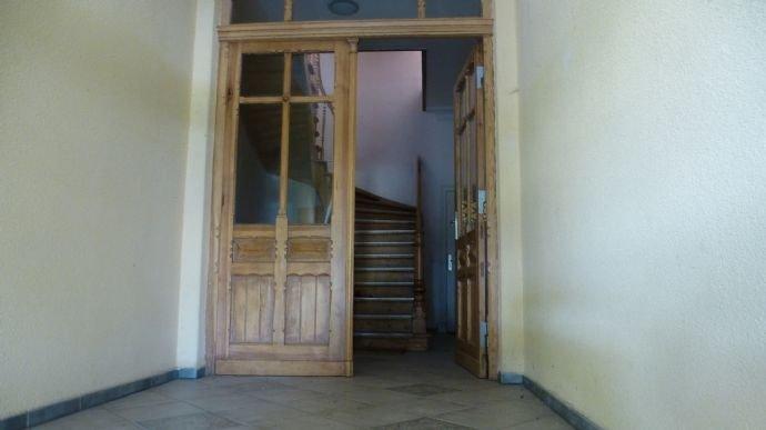 Eingangsbereich mit Blick in den Flur
