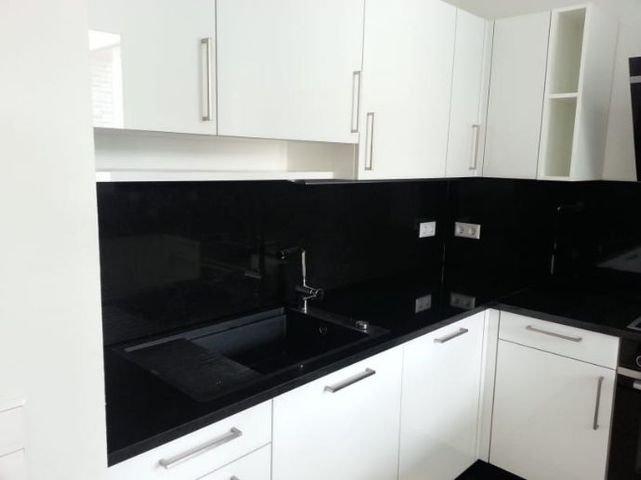 Küche (Linke Wandseite)