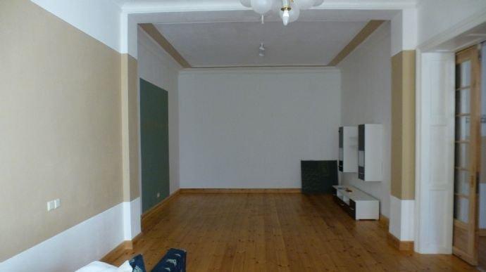Zimmer im EG, links