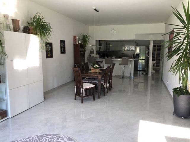 Raum 2 - Wohnzimmer Richtung Küche