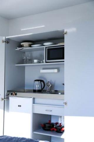 Max Aparthotel - Küche mit Innenausstattung