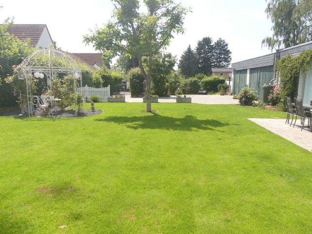 Gartenansicht von Osten
