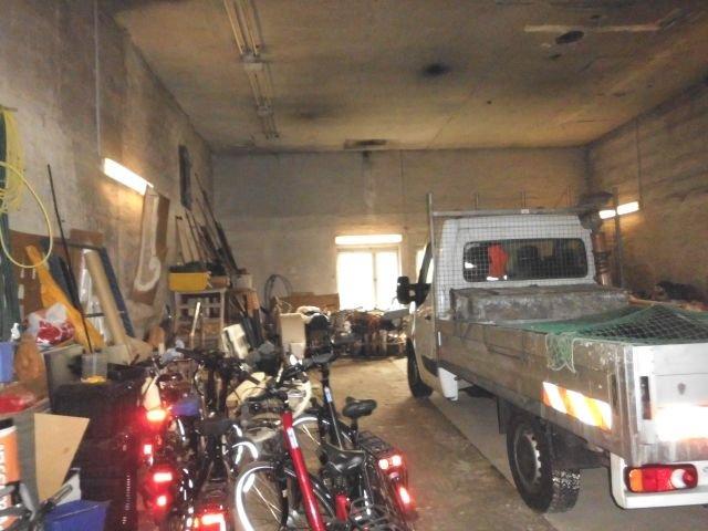 Garage- Westseite-13,8m x 9,2m