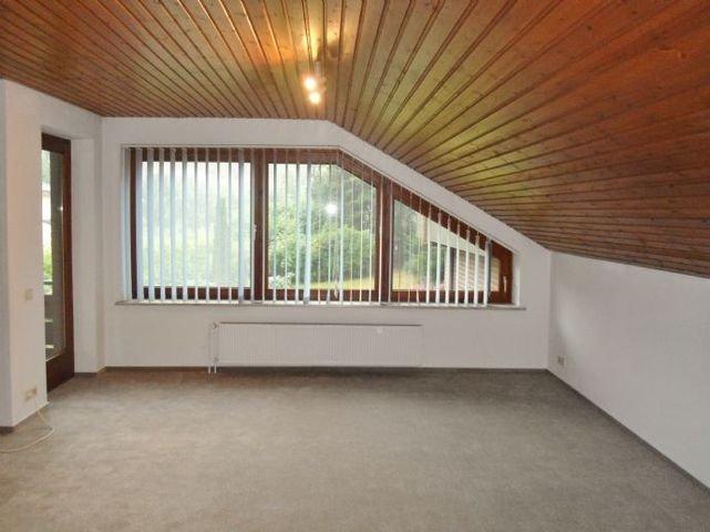 Wohnzimmer - mit Ausgang / Balkon