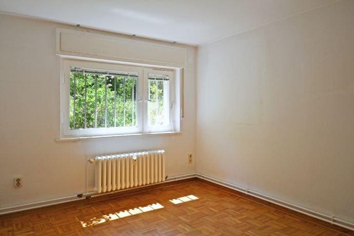 Zimmer im Untergeschoss