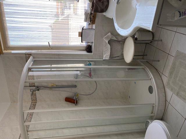Duschbad um Obergeschoss