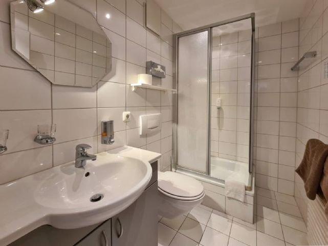 Großes Badezimmer - App 2
