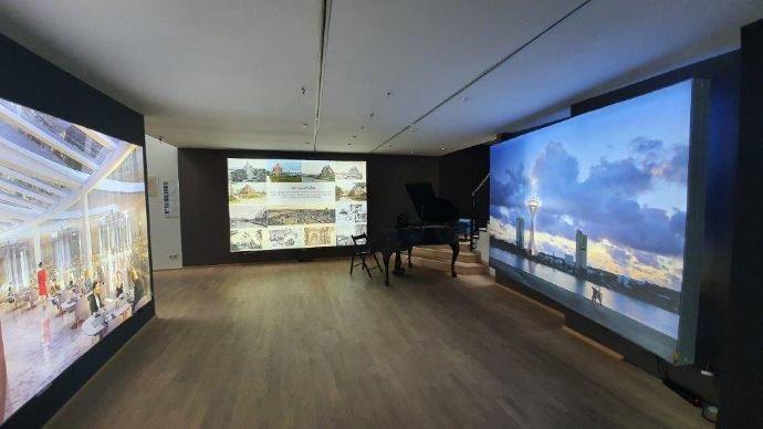 EG mittlerer Bereich und Aufgang Galerie