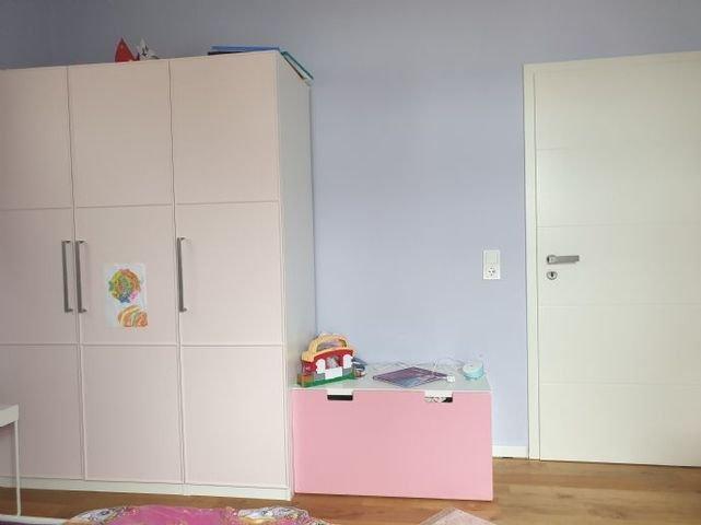 Weiteres helles Kinderzimmer