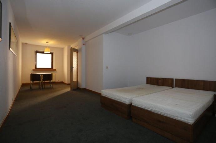 Zimmer im Hofbereich 2