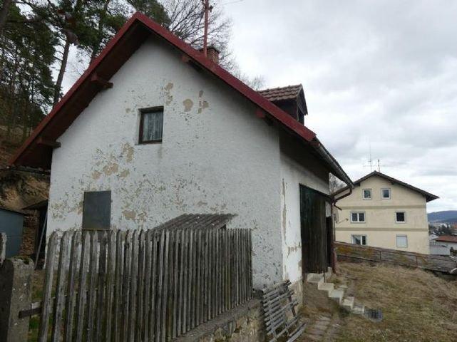 Grundstück mit Abrißhaus
