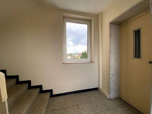 Treppenhaus & Aufzug