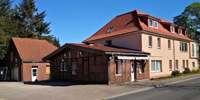 Alte Schmiede(links)(Abbruch?), Imbiss, Mietshaus